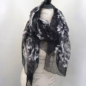 Alexander McQueen Silk Square Scarf Black & White